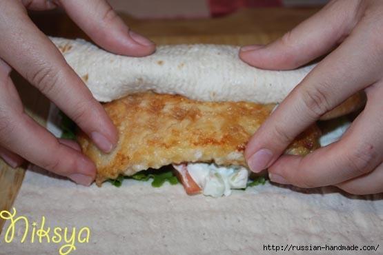 Куриные палочки в лепешках. ГИРО - вкусное блюдо) (9) (555x370, 94Kb)