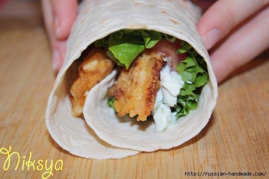 Куриные палочки в лепешках. ГИРО - вкусное блюдо) (11) (555x370, 105Kb)
