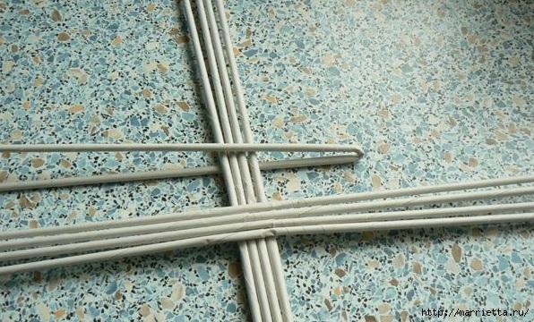 Мастер-класс по плетению дна из газетных трубочек (3) (596x360, 229Kb)