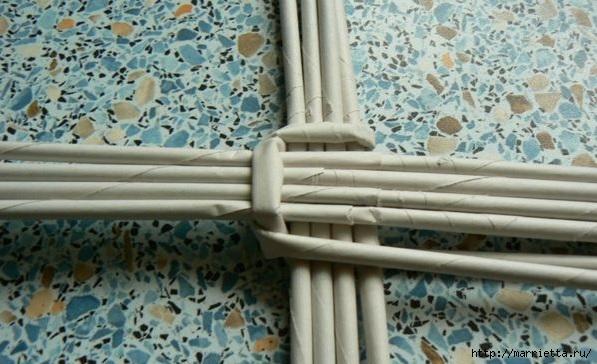 Мастер-класс по плетению дна из газетных трубочек (7) (597x364, 156Kb)