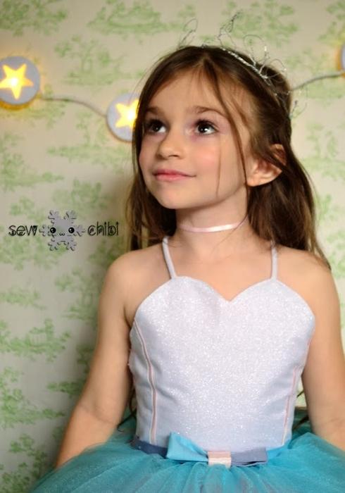 Светящийся наряд для маленькой принцессы (2) (490x700, 197Kb)