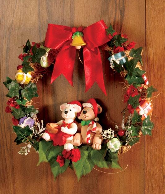 Рождественский венок с мишками из холодного фарфора. Мастер-класс (2) (533x626, 258Kb)