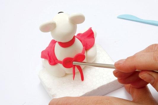 Рождественский венок с мишками из холодного фарфора. Мастер-класс (20) (533x355, 59Kb)
