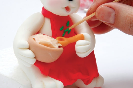 Рождественский венок с мишками из холодного фарфора. Мастер-класс (25) (533x355, 72Kb)