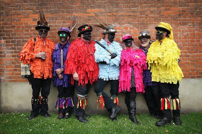 фестиваль трубочистов в англии (650x432, 333Kb)