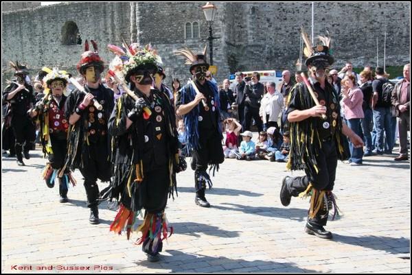 фестиваль трубочистов в англии 5 (600x401, 292Kb)