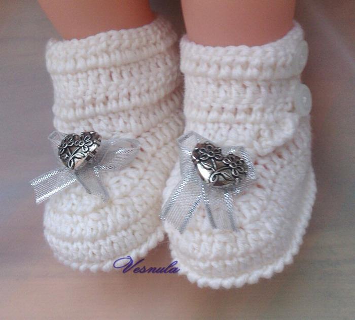 вязаных носочков и пинеток