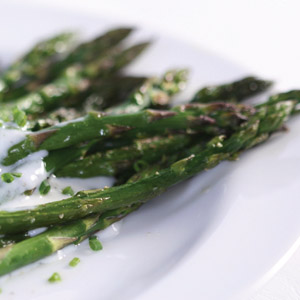 10061-Roasted-Asparagus-Chive-Yogurt-Ranch-Dressing (300x300, 39Kb)
