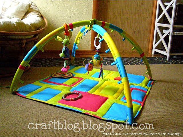 Как сделать своими руками развивающий коврик для ребенка