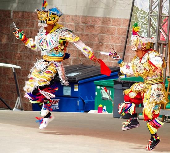 перуанский танец с ножницами фото 3 (550x493, 221Kb)