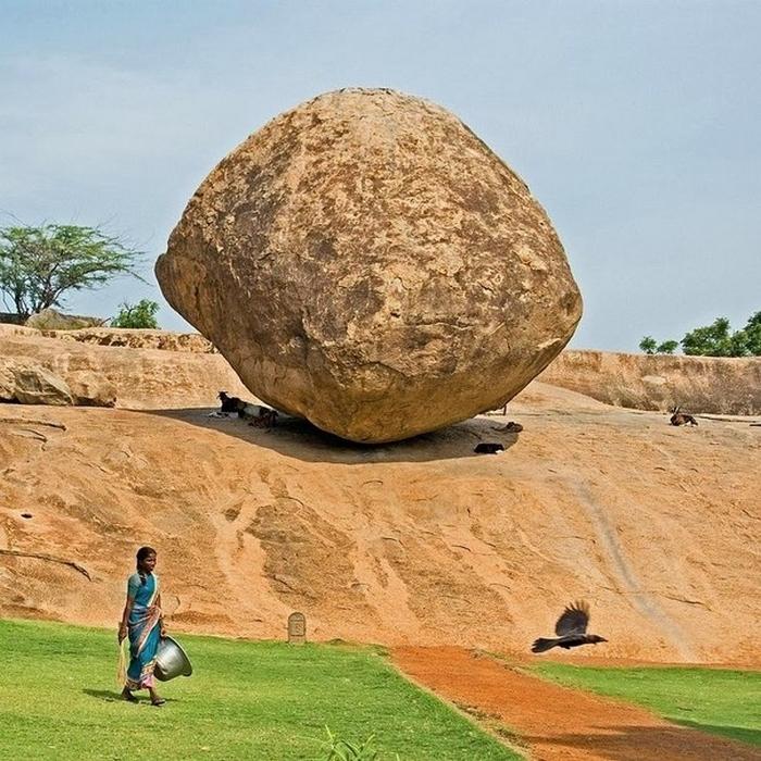 масляный шар кришны в индии (700x700, 419Kb)