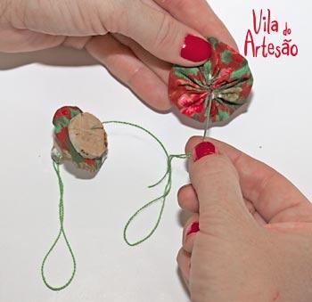 Елочки из цветочков йо-йо и пробок. Новогодние игрушки своими руками (6) (350x339, 48Kb)