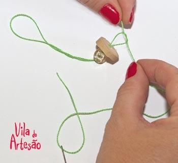 Елочки из цветочков йо-йо и пробок. Новогодние игрушки своими руками (18) (350x321, 35Kb)