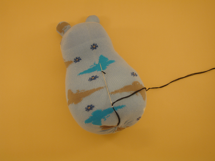 Забавная игрушка из носка (16) (700x525, 485Kb)