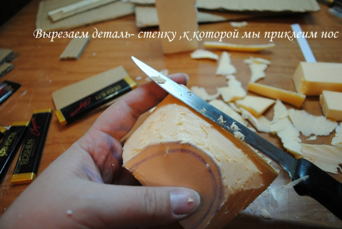 РЕТРО АВТОМОБИЛИ из шоколадных конфет (4) (700x469, 210Kb)