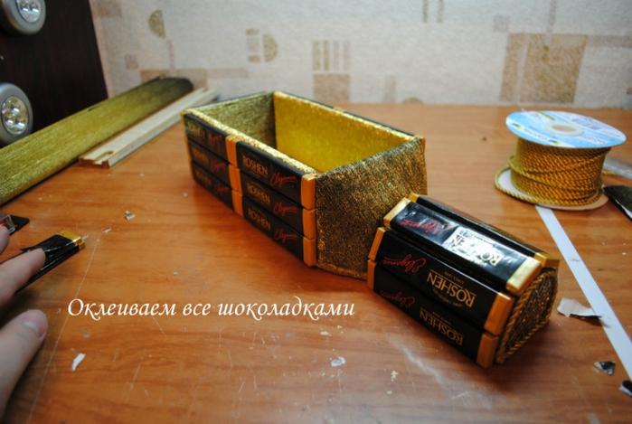 РЕТРО АВТОМОБИЛИ из шоколадных конфет (34) (700x469, 227Kb)