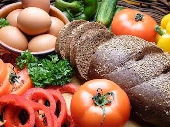 7 продуктов, которые не рекомендуется есть натощак.