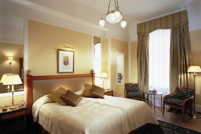 3249162_stretchceilingshotels (700x468, 221Kb)