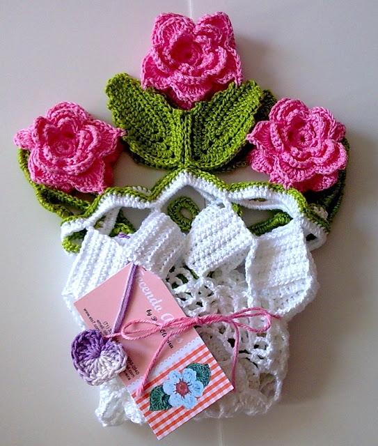 Вязание крючком. Замечательные салфетки и сумочка. Схемы (14) (543x640, 290Kb)