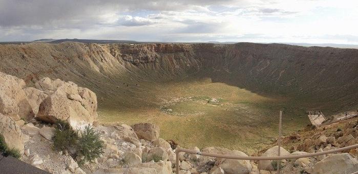 метеоритный кратер фото 2 (700x340, 190Kb)