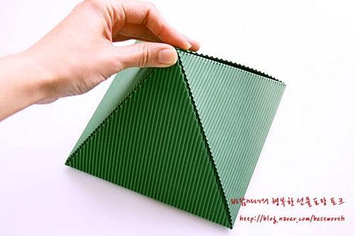 Подарочная упаковка - коробочка пирамида своими руками (11) (500x333, 93Kb)