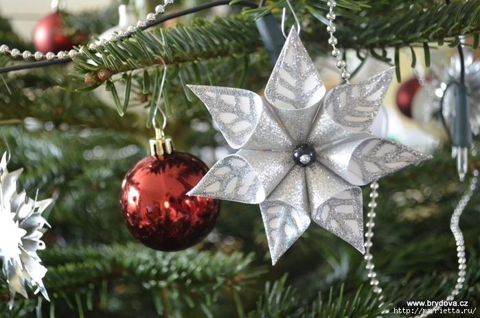 Рождественские звездочки из бумаги. Подвески для елочки (2) (700x463, 273Kb)