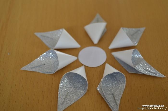 Рождественские звездочки из бумаги. Подвески для елочки (8) (700x463, 192Kb)