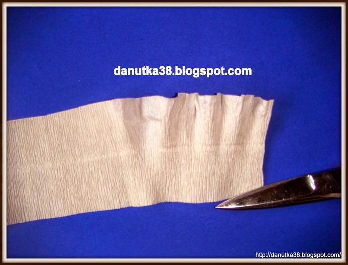 Елочка из картона и гофрированной бумаги. Мастер-класс (8) (700x532, 236Kb)