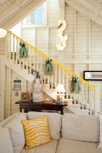 Дизайн интерьера. Потрясающие идеи украшения лестниц к Рождеству (2) (426x640, 178Kb)