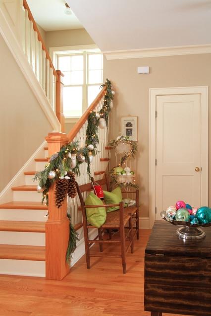 Дизайн интерьера. Потрясающие идеи украшения лестниц к Рождеству (10) (426x640, 155Kb)