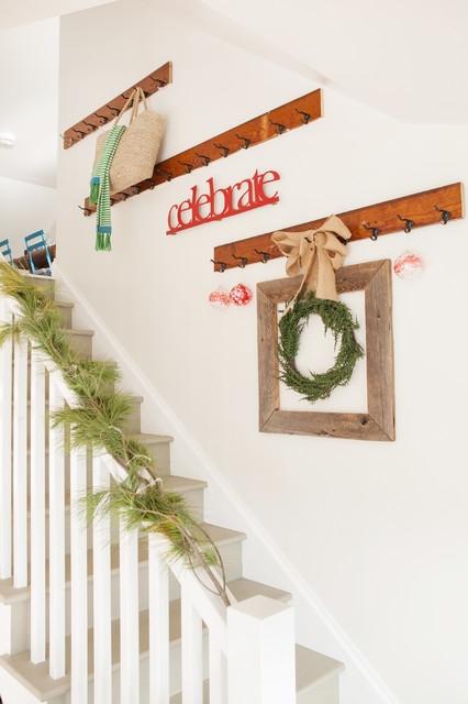 Дизайн интерьера. Потрясающие идеи украшения лестниц к Рождеству (16) (426x640, 127Kb)
