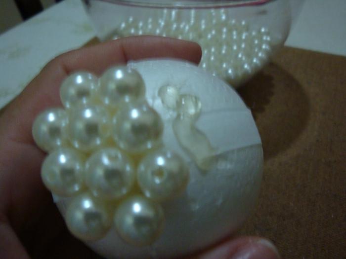 las bolas de Navidad y preciosos árboles de Navidad con perlas y cuentas (15) (700x525, 199KB)