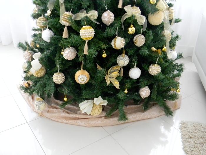 las bolas de Navidad y preciosos árboles de Navidad con perlas y cuentas (29) (700x525, 262Kb)