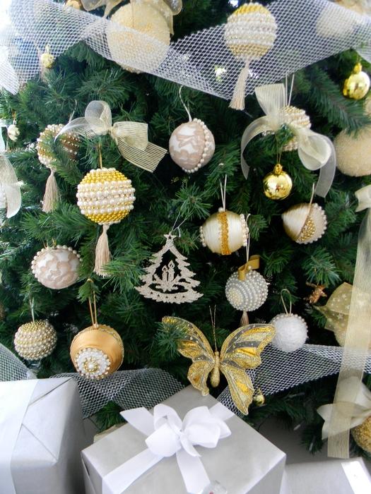 las bolas de Navidad y preciosos árboles de Navidad con perlas y cuentas (33) (525x700, 350Kb)