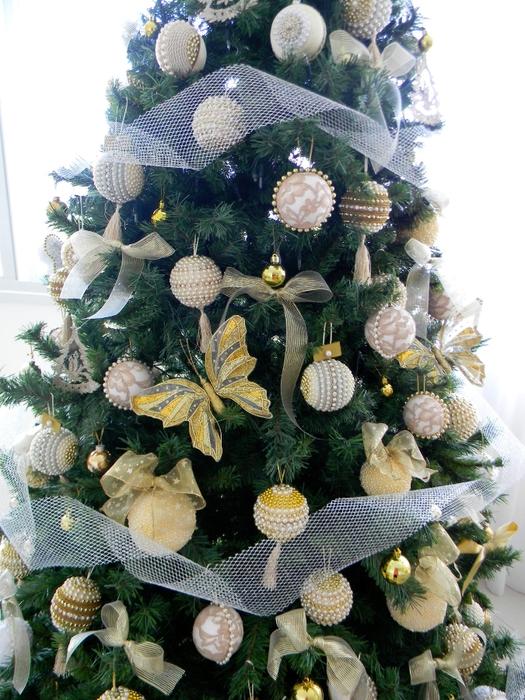las bolas de Navidad y preciosos árboles de Navidad con perlas y cuentas (35) (525x700, 328KB)