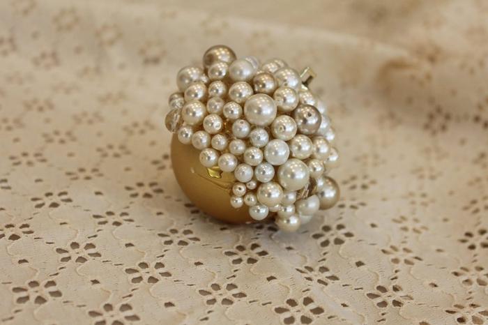 las bolas de Navidad y preciosos árboles de Navidad con perlas y cuentas (51) (700x466, 188 KB)