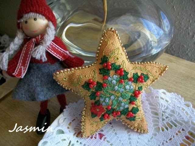 Рождественская звезда из мешковины с вышивкой (2) (640x480, 238Kb)