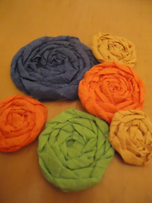 diy crepe paper cabage rose flowers (525x700, 216Kb)