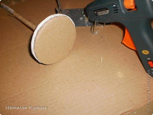 Подставка для елочки из джута и газетных трубочек (10) (520x390, 88Kb)