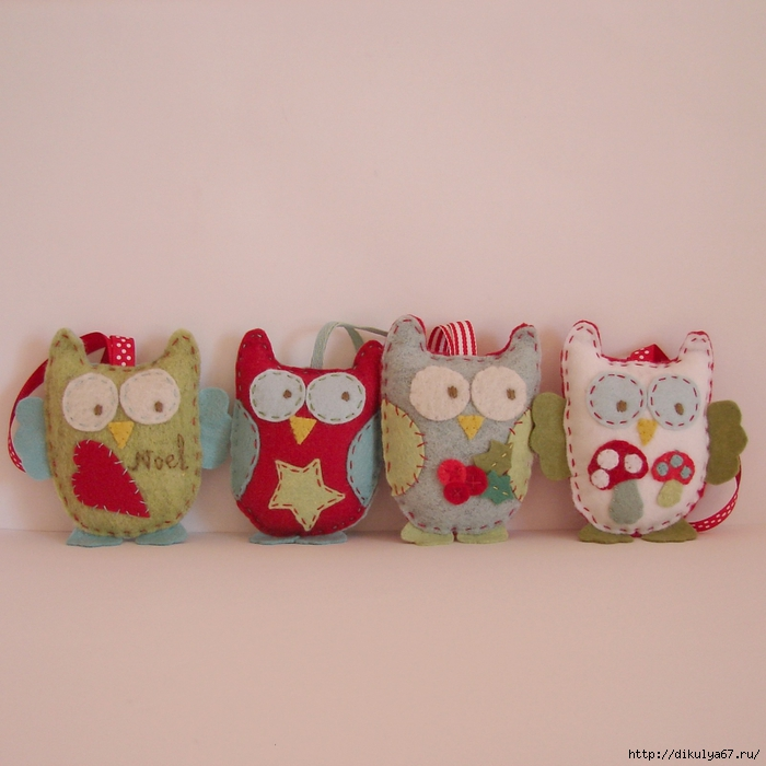 Christmas ornaments owls green blure red white (700x700, 269Kb)