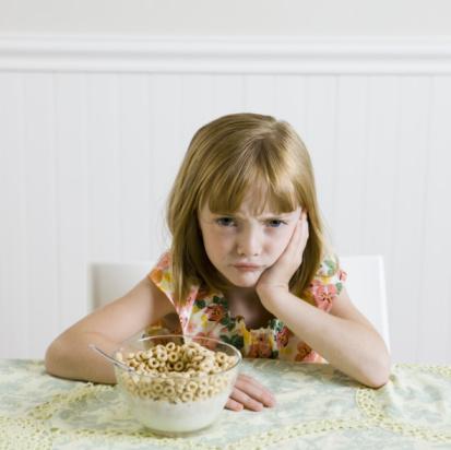 Как кушать ребенка кушать в приятной форме. Лучший креативный способ.