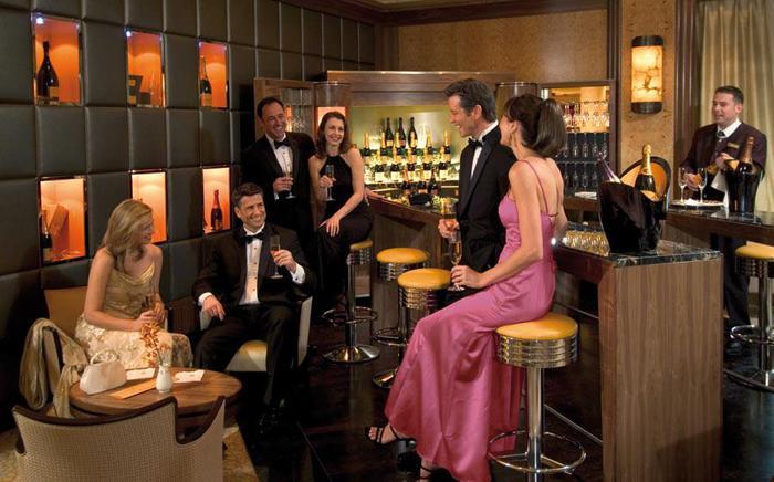 купить элитное шампанское алкоголь в Москве и Подмосковье/1384496037_0000QM2VeuveClicquotBar4ajpg (700x436, 54Kb)