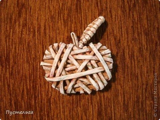 Плетение из газет. Лошадка и другие игрушки для елочки (3) (520x390, 167Kb)