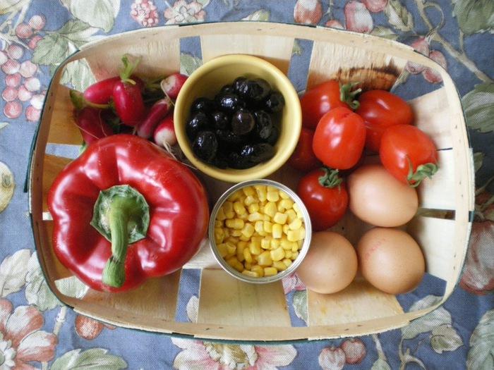 французский салат  нисуаз (700x525, 132Kb)