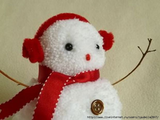 1-pom-pom-snowman-christmas-crafts-red-close-up (620x465, 95Kb)