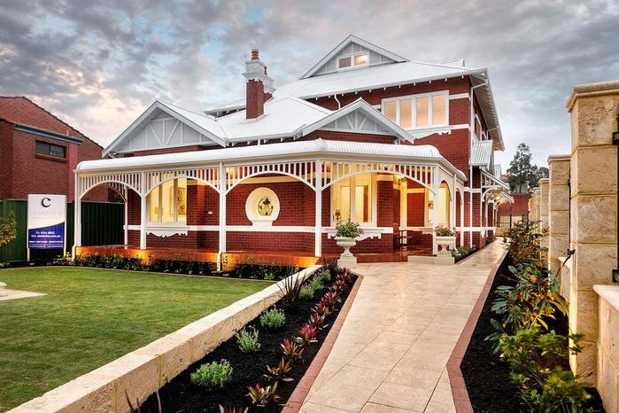 красивый дом фото 1 (700x466, 297Kb)