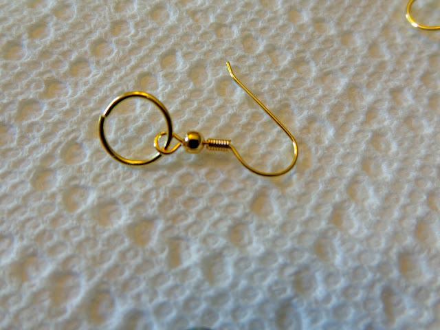 glue.earrings.findings (640x480, 72Kb)