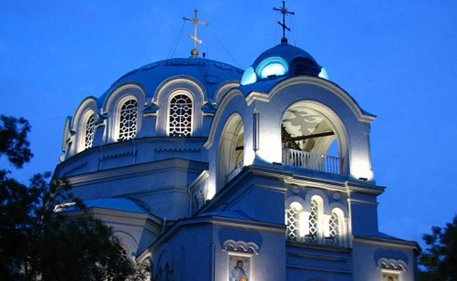 3561375_hram_nikolaya_chydotvorca_v_evpatorii_2 (650x400, 47Kb)