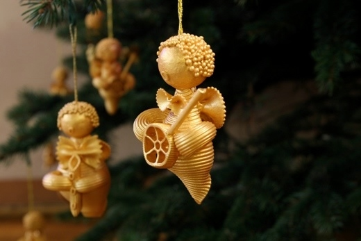 christmas-tree-ornaments-kids-pasta-angels-gold (520x347, 72Kb)