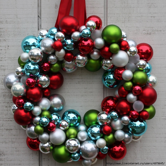 4979645_ornament_ball_wreath_2 (700x700, 389Kb)